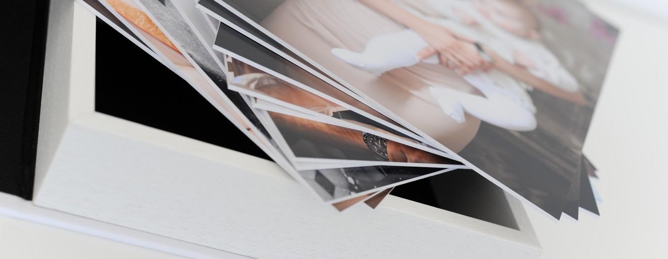 {Derrière le Miroir} -Le nouvel album photo pro- Coffret Portfolio : Une nouvelle façon de profiter de vos Photos !