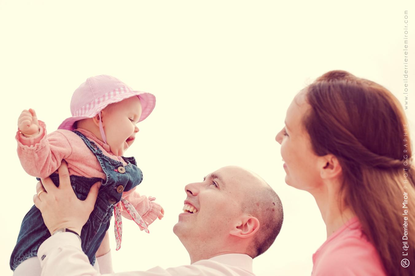 photographe-bebe-loeilderrierelemiroir-020