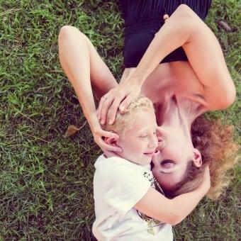 Témoignage : Séance photo en famille à Mougins 06 par L'Œil Derrière le Miroir • Photographie