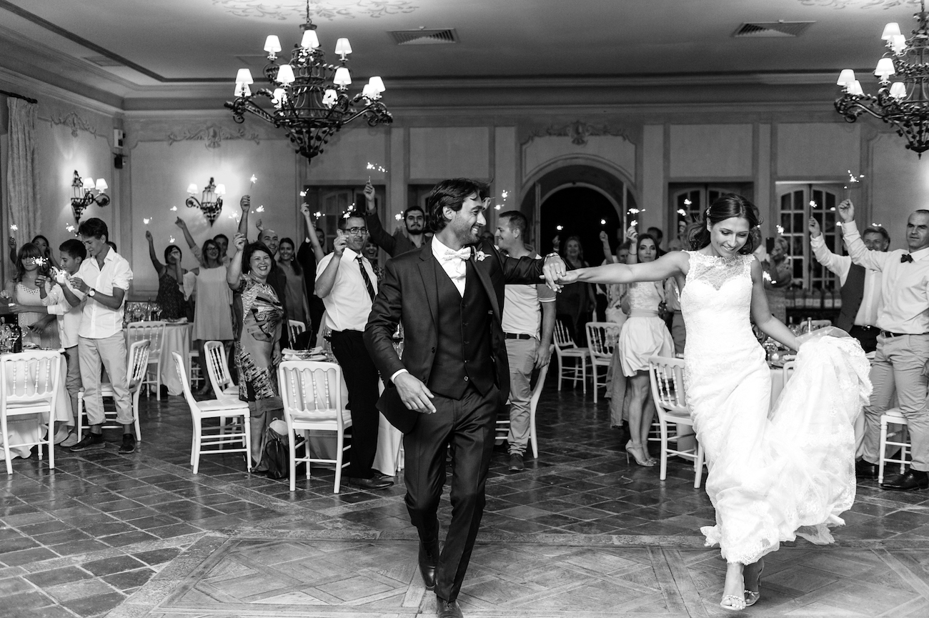 Wedding reportage first dance entrance South of France Wedding photographer