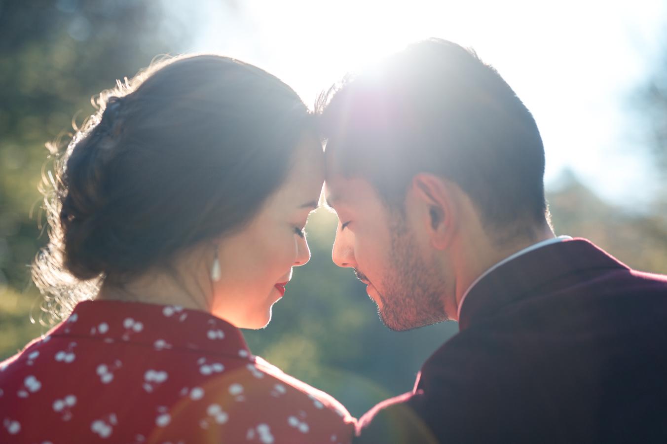 Engagement photosession in Luxembourg Grund | Séance photo de couple à Luxembourg par L'Œil Derrière le Miroir • Photographie