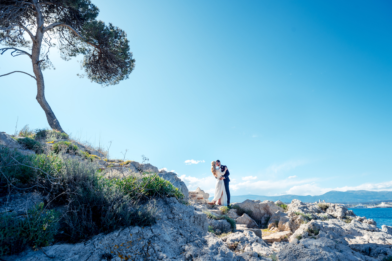 Antibes Wedding Belles Rives FrenAntibes Wedding Belles Rives French Riviera - Photographe Mariage Belles Rives ch Riviera