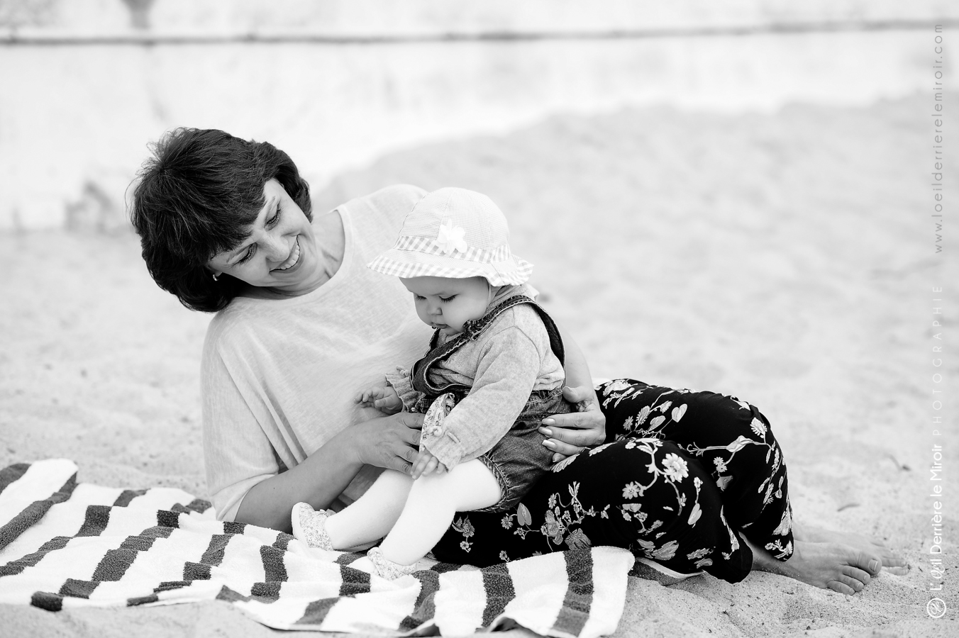 photographe-bebe-loeilderrierelemiroir-017